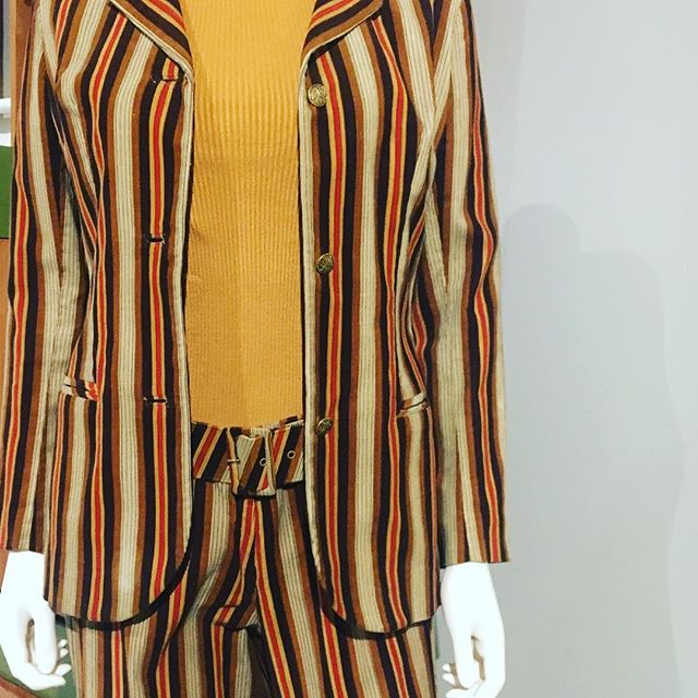 Don't  you just love  this #maryquant 1960's trouser suit ? Great exhibition at the @fashiontextilemuseum #swinginglondon