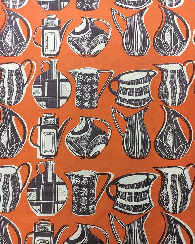 Easter printing @gpc_print slightly side tracked as I should be working on new ideas for open studio but I'm having a lovely time😀 #surfacepatterndesign  #printingonfabric #midcentury #midcenturystyle #textiledesign