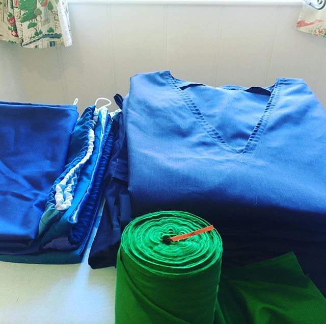 Blue scrubs finished and out green fabric in #fortheloveofscrubs  #lovethenhs #sewingproject #nhs #fortheloveofscrubsgloucestershire  #lockdown
